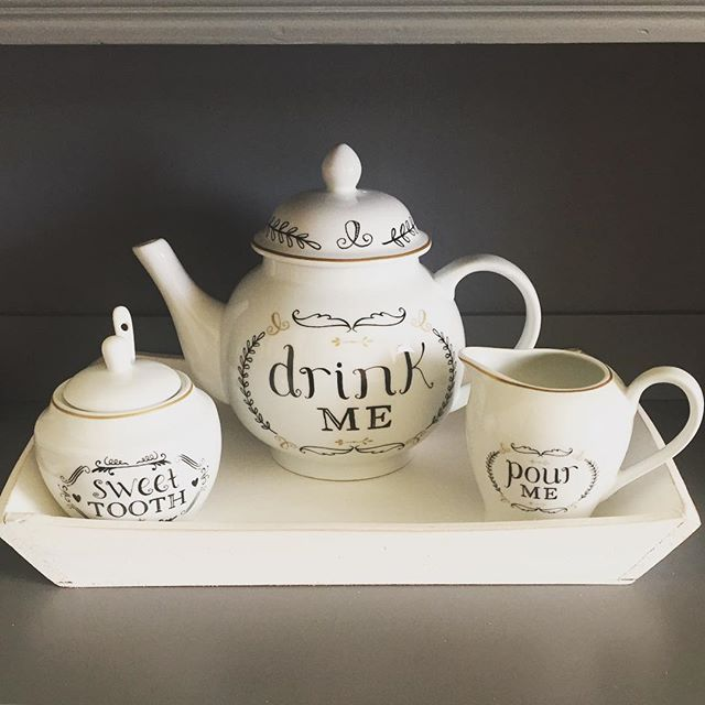 Love my new tea set that goes fabulously with my Alice In Wonderland themed…*