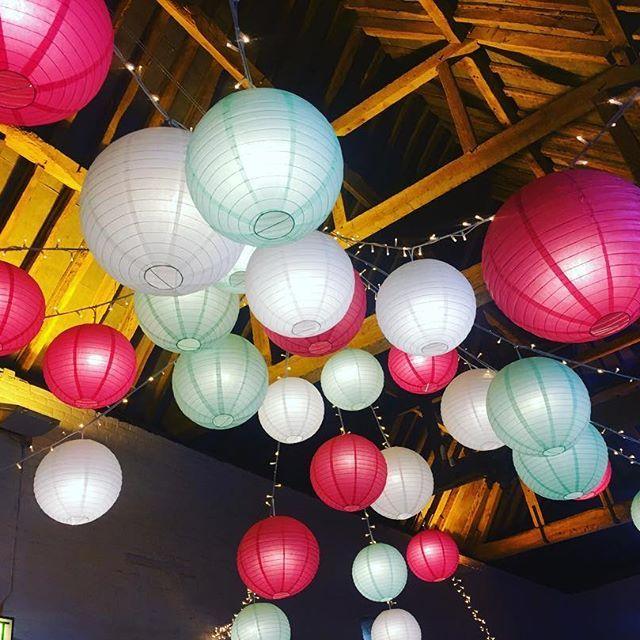 #lanterns #uftoncourtweddings #uftoncourt #beautiful #barnwedding
