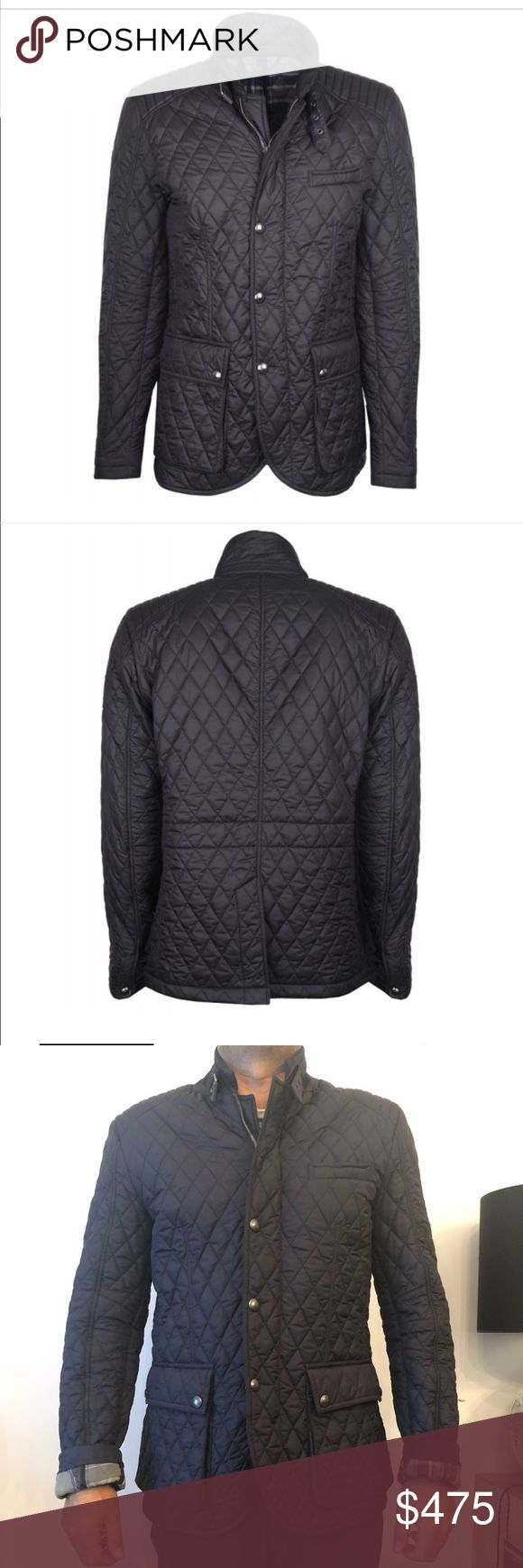 Belstaff Men's quilted Blazer Jacket Ink Blue Belstaff Petersham Quilted Blazer. pairs a traditional quilted jacket with Moto racing inspired details. It is tailored to provide a contemporary, fitted shape with a rear vent to allow ease of movement. classic diamond quilted outer is mixed with channel stitching to the shoulders along with the narrow collar and buckled throat latch. Has a concealed two way zip fastening and water resistant finish with lightweight padding. Outer: 100% Polyester…