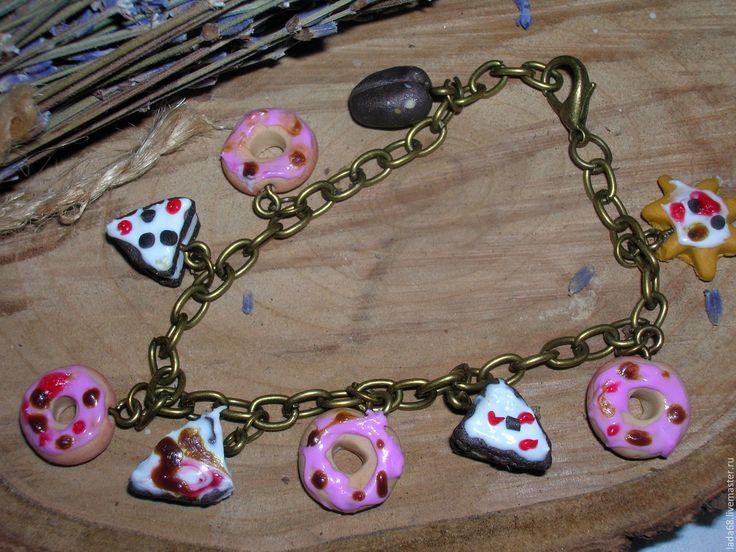 Купить Браслет с пироженными( браслет, украшение на руку) - комбинированный, браслет, Браслет ручной работы