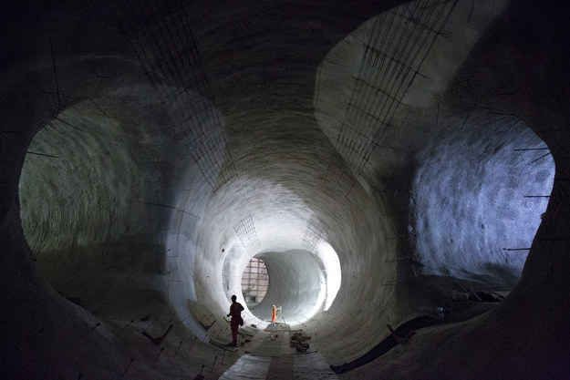 As you can see here, the tunnel where the platform will be at Bond Street Crossrail station is now finished.