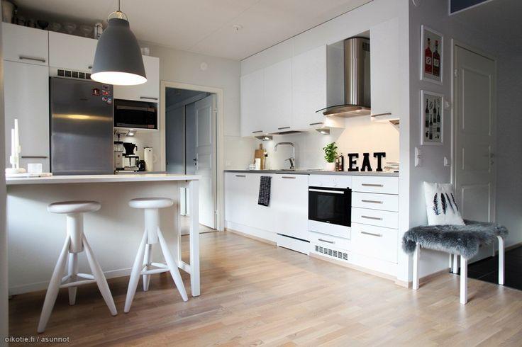 Myytävät asunnot, Aurinkotuulenkatu, Helsinki #oikotieasunnot #keittiö  Kitc