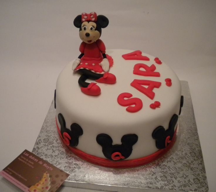 Una tarta Minnie para Sara