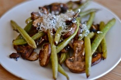 Green beans and mushrooms marinated in basalmic vinegar and topped with parmesan cheese