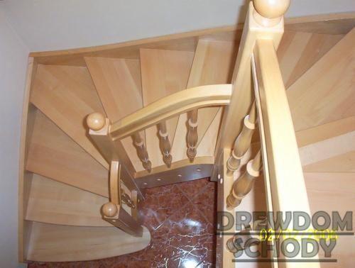 Znalezione obrazy dla zapytania schody dębowe jasne