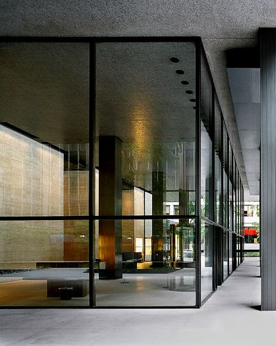 Seagram Building on Park Avenue, New York, 1954-1958, designed by Mies van der Rohe in collaboration with Philip Johnson.