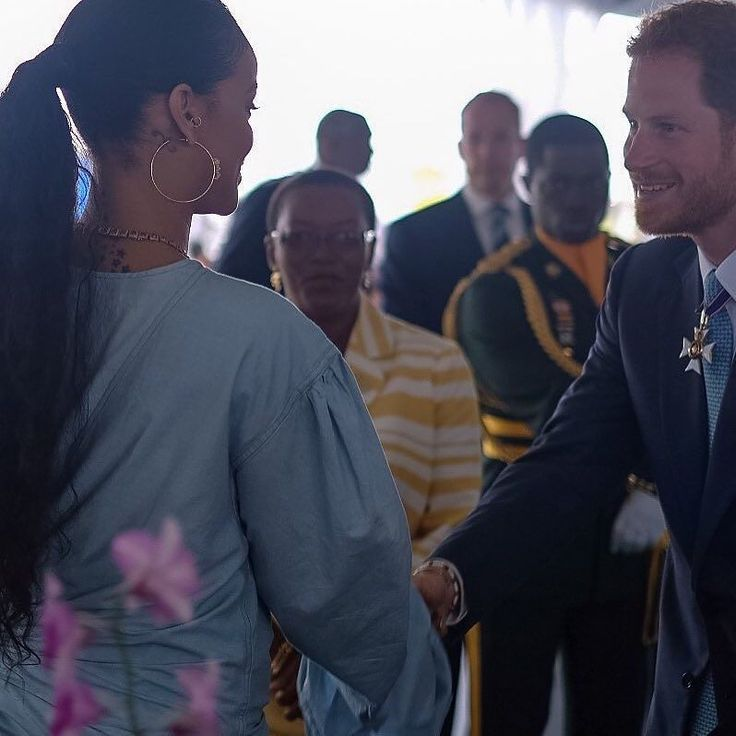 Prince Harry and Rihanna meeting today in Barbados.  #RoyalVisitBarbados #rihanna #prince #princeharry #queen #queenelizabeth #Barbados  #news #actu #live #webzine  #france #paris