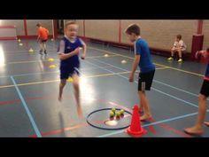 Filmpje van de maand - Ballen estafette - YouTube