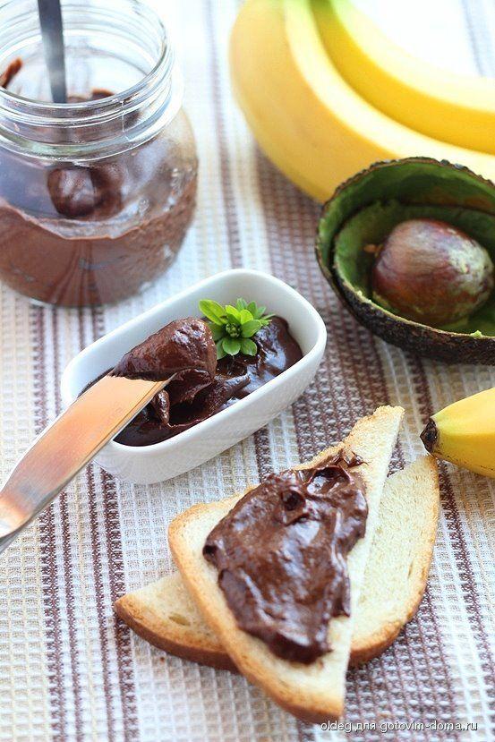 Шоколадный пудинг/крем из банана и авокадо