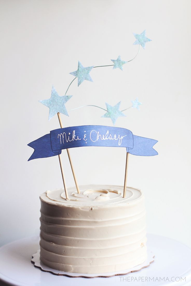 Star and Banner Cake Topper (with free printables)! Perfect for the budget wedding or birthday party. Cute and very inexpensive.
