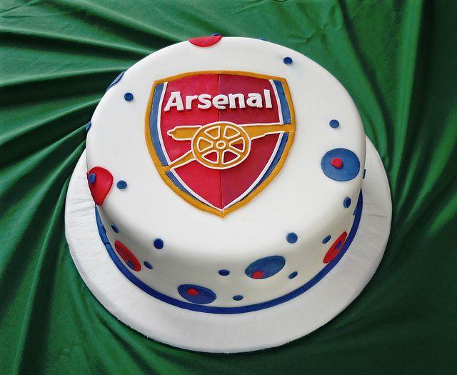 arsenal-football-team-logo-cakes-cupcakes-mumbai-32
