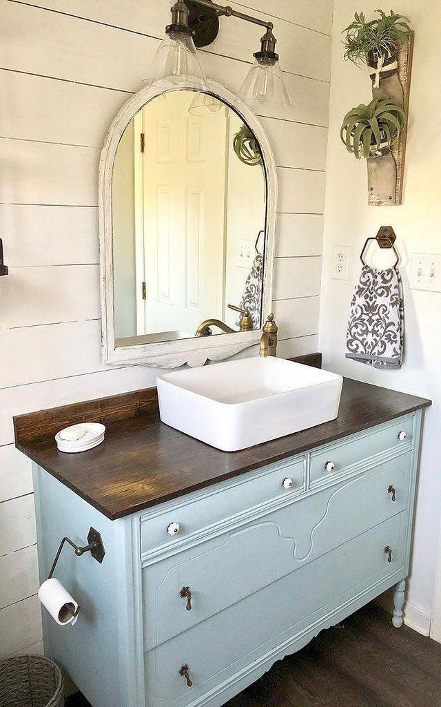35 Better Bathroom Makeover On A Budget Homiku Com In 2020 Kleines Bad Renovierungen Landliche Badezimmer Badezimmer Renovierungen