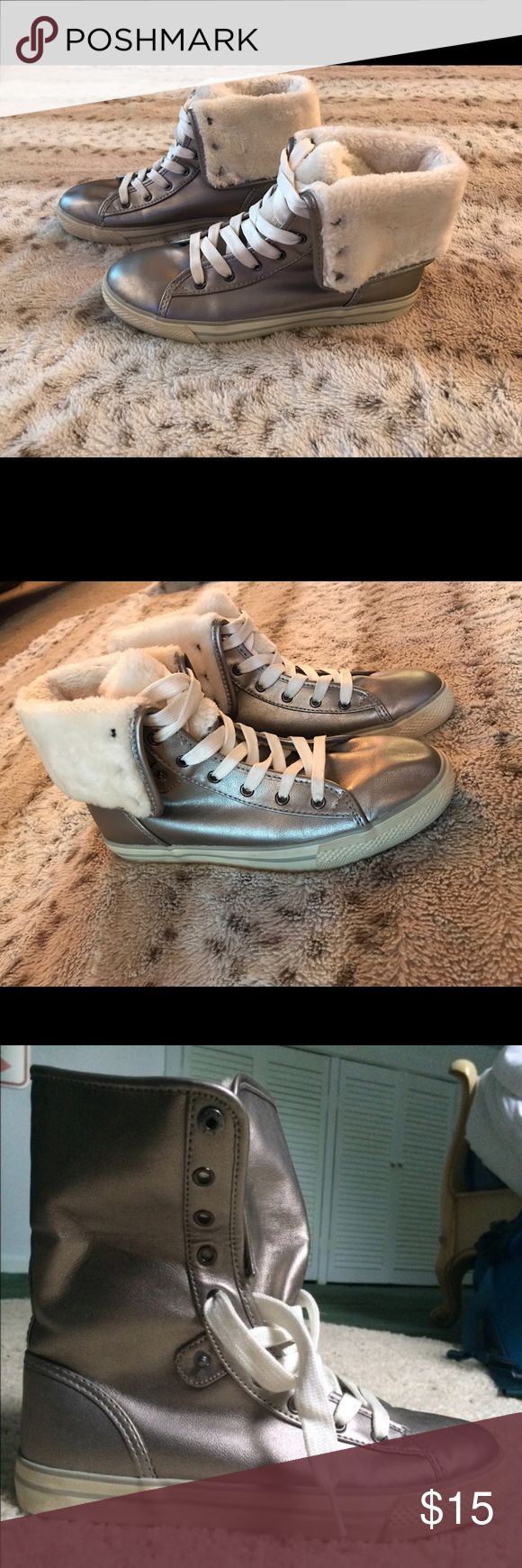 Arizona High Top Sneakers Silver High Top Sneakers with faux fur for great comfort! Only been worn 3 times, in great condition! Size 8 can be folded down for sneaker look or up for the high top look. Arizona Jean Company Shoes Sneakers