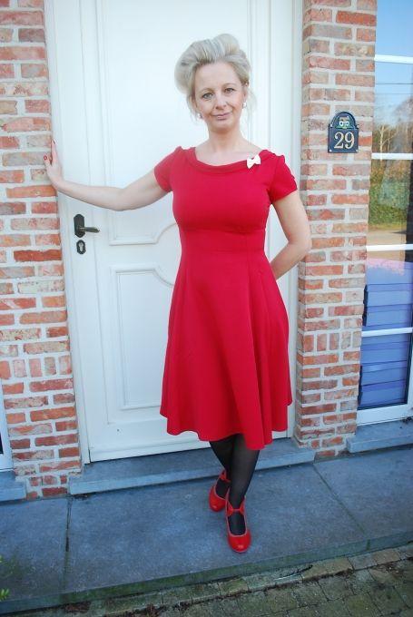 Rode jurk met ecru strikje - Hulahup