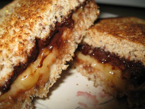 Nutella and Mashed Banana Sandwich!