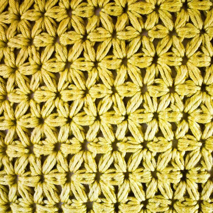 Jasmine Stitch Cushion - free crochet photo tutorial by Anna Nikipirowicz on the LoveCrochet blog.** ༺✿ƬⱤღ http://www.pinterest.com/teretegui/✿༻