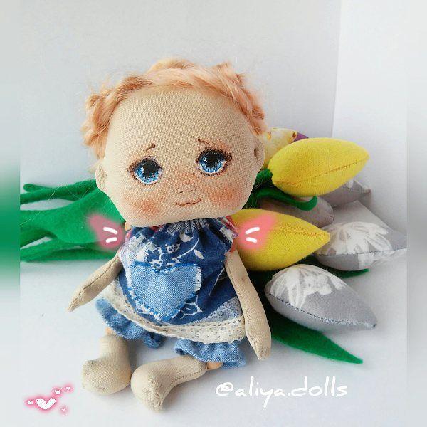 Вот такой ангелочек у меня получился 😇 уже живет у мамы моей 💕💕💕 в день рождения ее подарила. Вернее хотела. Но подарила позже 😊 но главное что уже в любящие доме и сердце она поселилась 😊  #aliya_dolls #handmade #doll #textildoll  #handmadeall  #toys #ярмаркамастеров  #toys_gallery #кукла #кукларучнойработы #текстильнаякукла #кукланазаказ #интерьернаякукла #интерьерная #artdoll