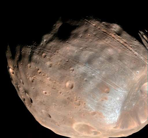 France, Japan aim to land probe on Mars moon 4/13/17 Phobos is just 27 kilometres (17 miles) in diametre from end-to-end