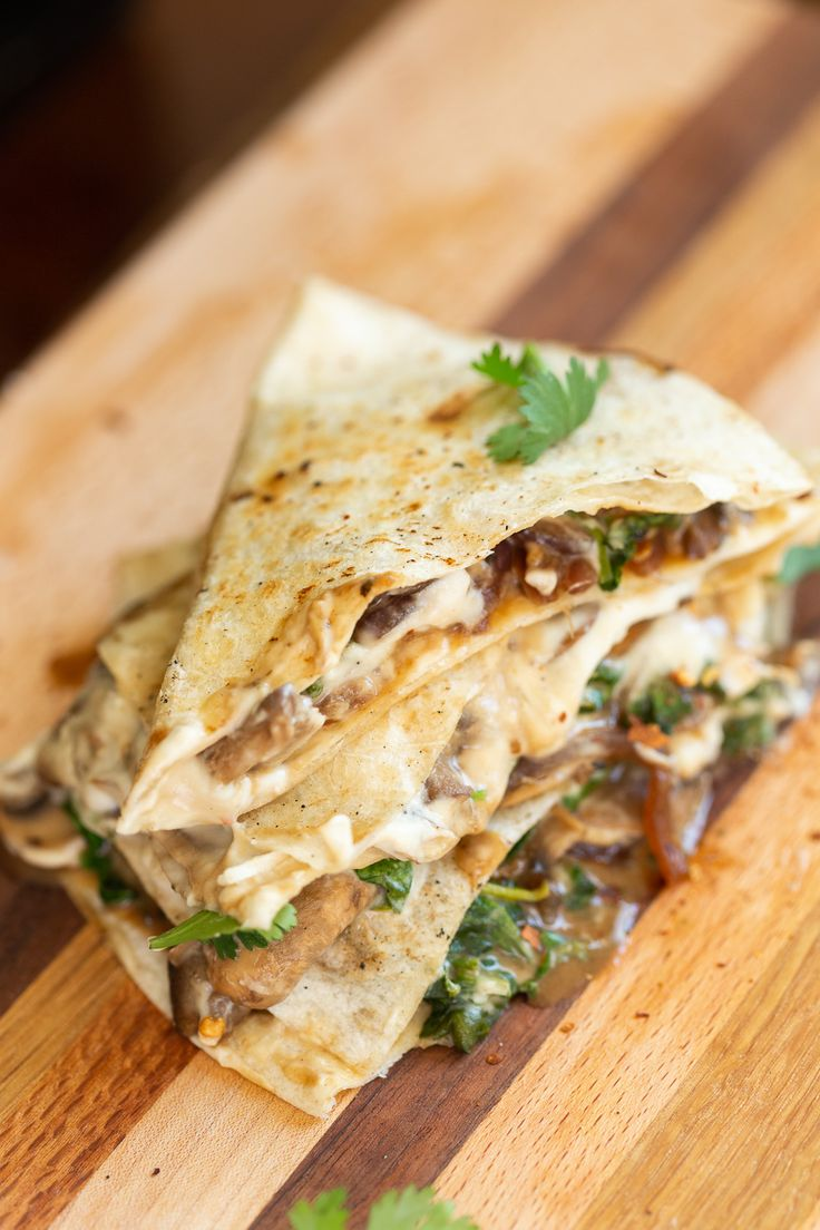 Quesadilla with mushrooms and cashew nut mozzarella   – Vegan Wraps and Sandwiches