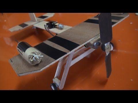 Avioneta de juguete con misiles - YouTube