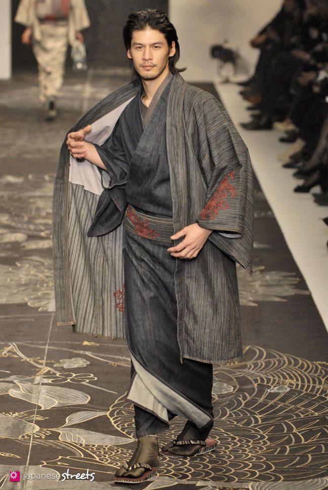 FASHION JAPAN: JOTARO SAITO A/W 2009 (Japan Fashion Week)