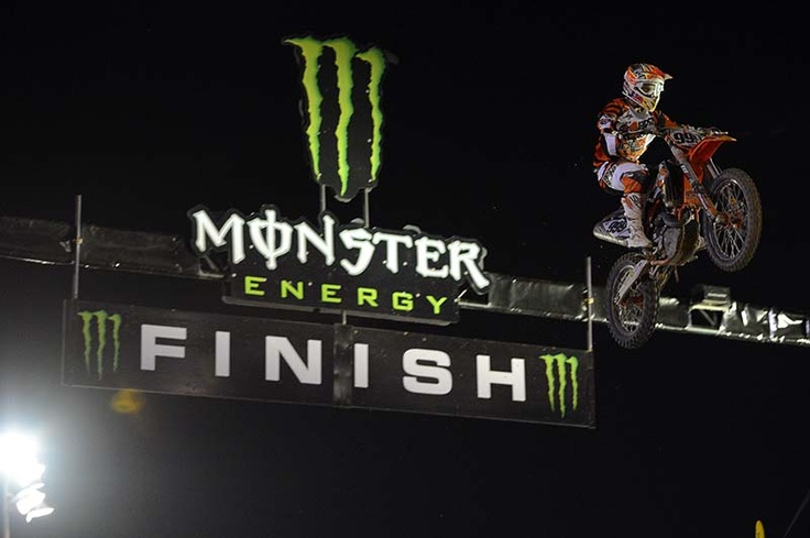 Amazing jump by MX1 Rui Goncalves