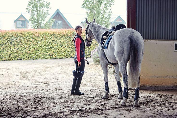 Dublin sponsored rider, Bec Stoneman with ESB Irish Patience #horselandsponsored #dublinsponsored #horselandautumnwinter