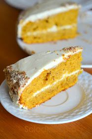 Готовила Тыквенный торт для гостей, а гости заболели и не пришли. Тортик похож на морковник по вкусу.  Для коржей я брала этот рецепт,  т...