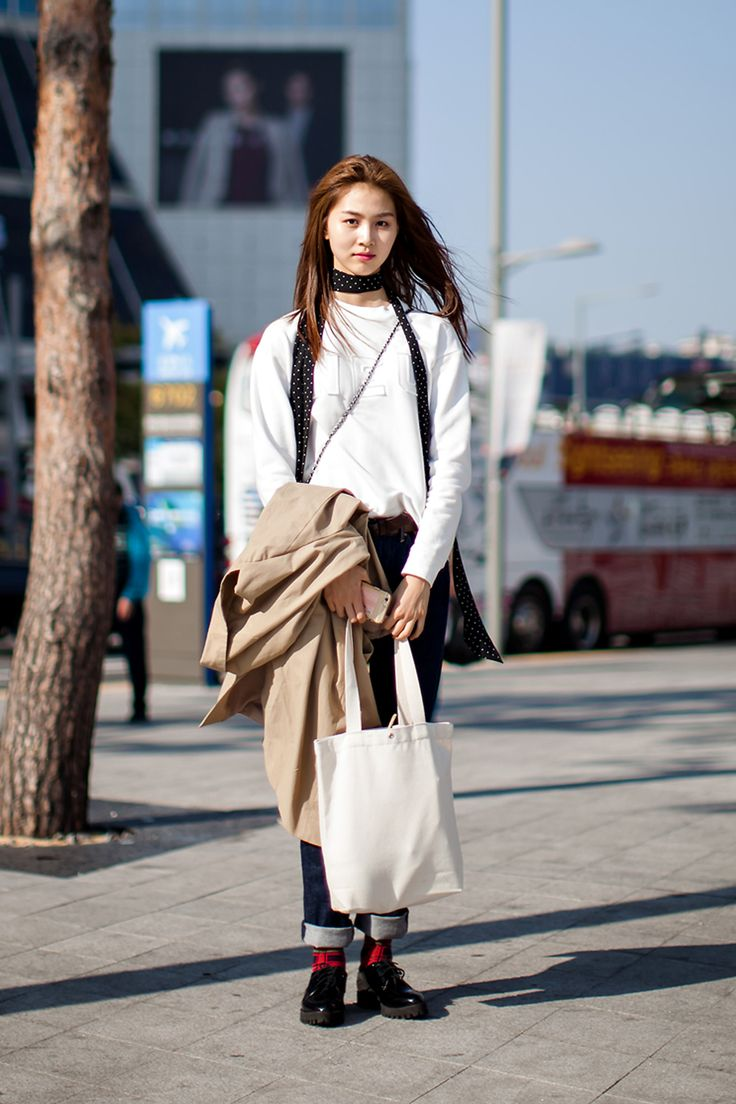 On The Street Um Yejin Seoul Fashion Week 2016 S S Street Womenstyle Pinterest Fashion