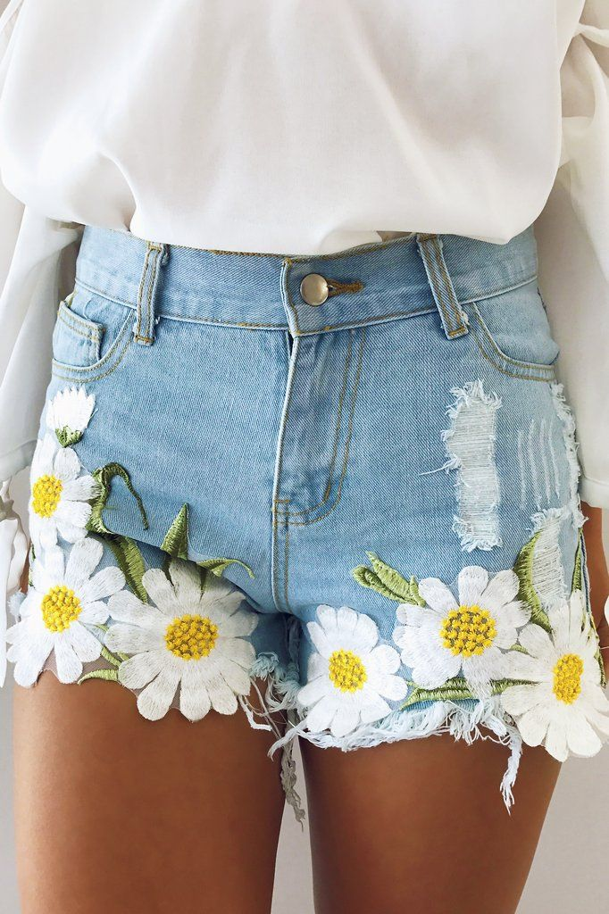 Darling In Daisy Shorts: Denim/Multi