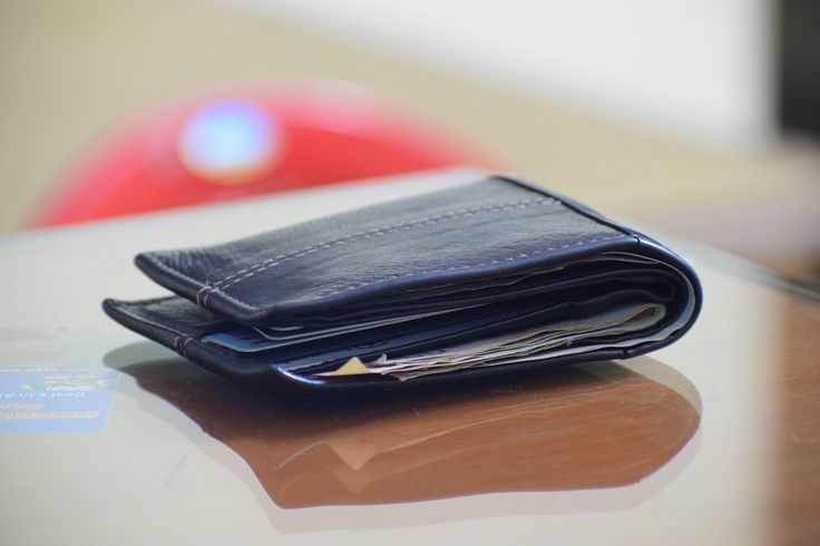 Ever wonder how many credit cards you should have? We have answers!  #personalfinance