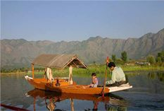 Trip to Kashmir is a land of myriad seasons and magnificent scenery incredible beauty of nature, cool air every traveler to visit this land again and again.