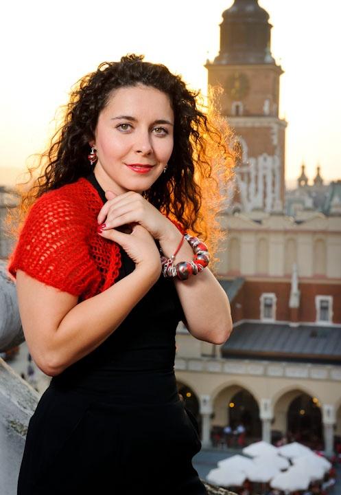 Kamila Klimczak, najmłodsza artystka Piwnicy pod Baranami mówi o swoim recitalu i płycie. Fot: Jacek Dyląg