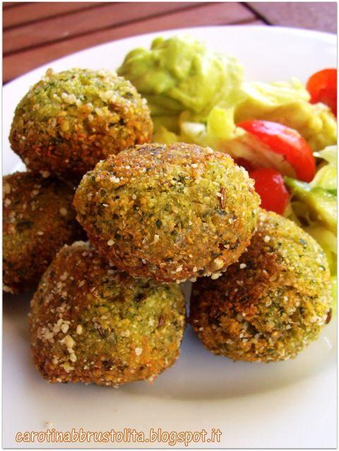 Carotina abbrustolita: Falafel di ceci e maionese di avocado
