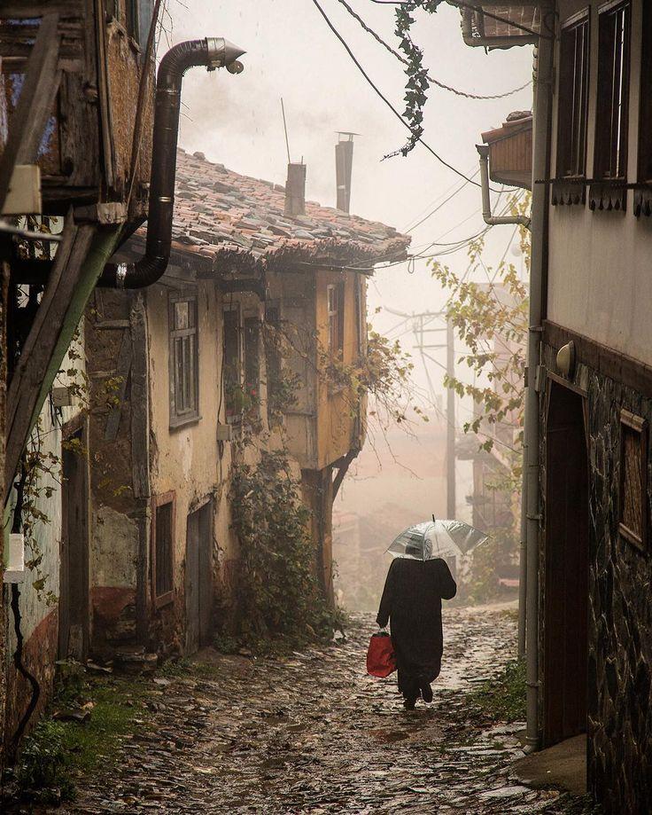Cumalıkızık village - Bursa Oraya ilk gittiğim korku dolu gece hâlâ aklımda...Hayalet köydü 7-8 yıl önce...