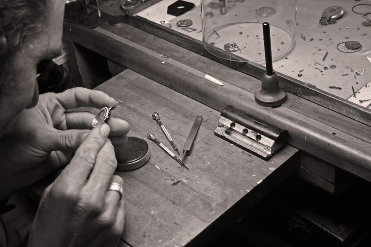 Les Partisanes - Assemblage Made in France #lespartisanes #watch #madeinfrance #qualité #savoirfaire