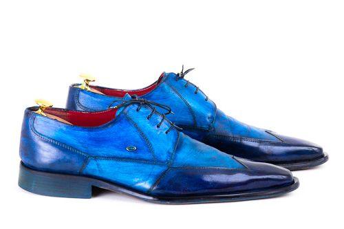 Alte Schuhe und Lederfarbe