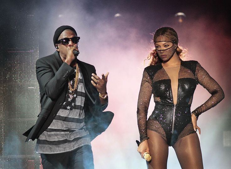 Jay Z and Beyoncé 'On the Run' at the Rose Bowl If you were looking for clues to the state of Jay Z and Beyoncé's marriage during the pair's weekend Rose Bowl stop on their On the Run tour, then you were doing exactly what was expected of you. http://www.latimes.com/entertainment/music/posts/la-et-ms-review-jay-z-beyonce-rose-bowl-20140803-story.html