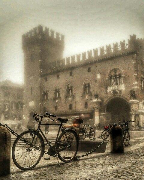Centro storico Ferrara ....