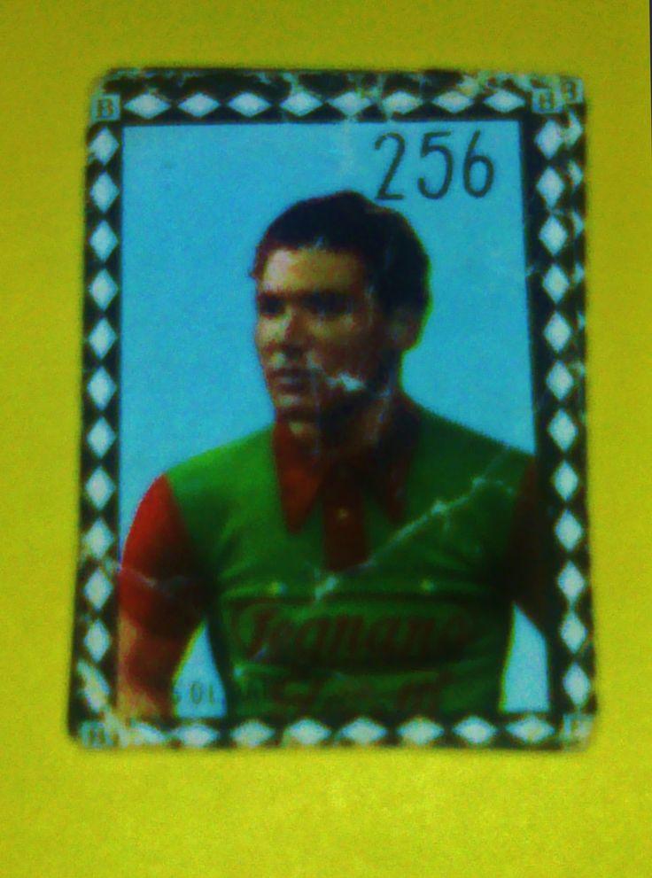 """Renzo Soldani - Figurina dell'album FOTOCOLOR (1950), pubblicato dalla casa editrice B.E.A. di Milano, che pur essendo dedicato al campionato di calcio del 1950-51, si conclude con due pagine e ventiquattro figurine dedicate ai """"Grandi campioni del ciclismo""""."""