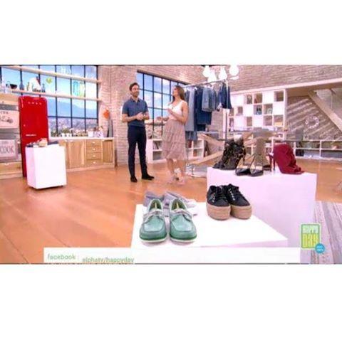 Ο στυλίστας @antoniosvoerakos προτείνει με τι παπούτσια να φορέσουμε τις φούστες μας .. στο Happy Day με την @stam_tsimtsili στον @alphatv