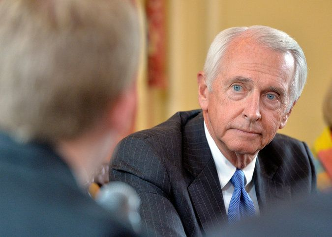 Kentucky Governor Restores Voting Rights to Thousands of Felons: Gov. Steve Beshear issued an executive order that will immediately grant the right to vote to about 140,000 nonviolent felons who have completed their sentences, lifting a lifetime ban.