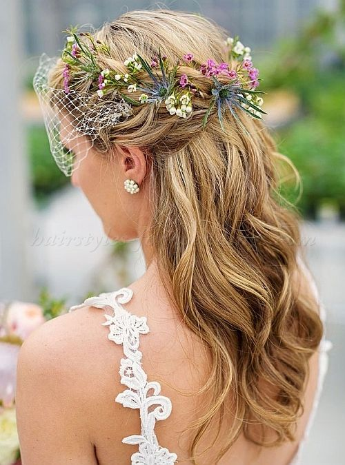 wedding+hair+with+flowers,+floral+hair+accessories+for+brides+-+floral+wreath+with+birdcage+veil