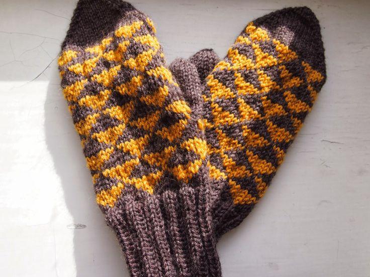 Triangle mittens