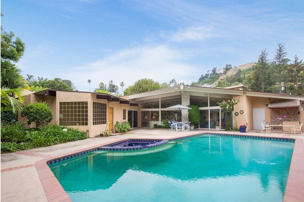 41 best hot listings mid century homes images on - Beverly hills public swimming pool ...