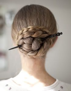 harpgal's pinless (hair pins) braided bun [Simple! After inserting the hair stick, bring the braid up and over one side of the stick before wrapping the length around.]
