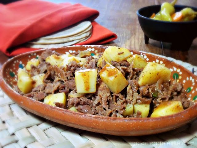 Guisado de Bistec con Papas.   Mexican Style Steak and Potatoes