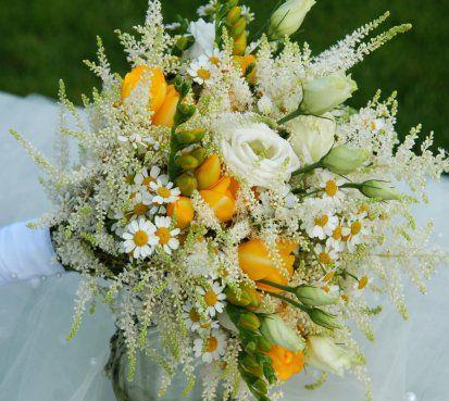 Luční svatební kytice do žluta