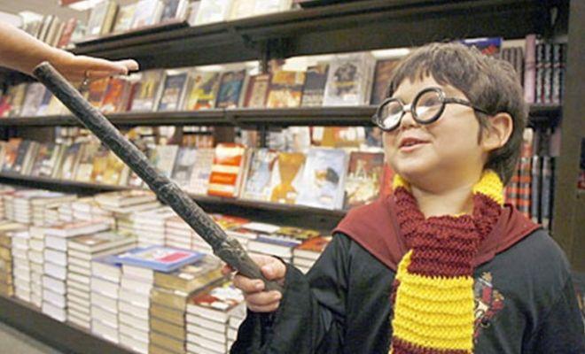 Τα παιδιά διαβάζουν όσα βλέπουν στο internet και στο σινεμά