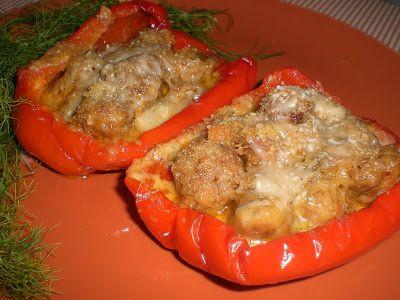 Peperoni ripieni con salsiccia piccante e stracchino profumati al finocchietto